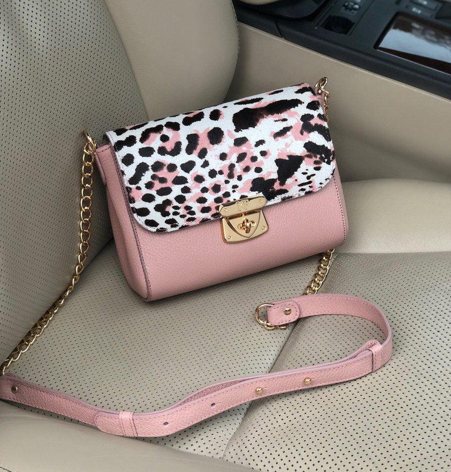 555269c1aed9 Женская Сумка на длинном ремешке Katerina Fox розовой пудры цвета из натуральной  кожи (KF-