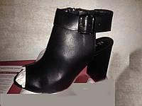 Шикарные Итальянские босоножки кожаные цвет красные и чёрные женские нарядные на каблуке