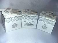 Элегантные белые бонбоньерки на свадьбу
