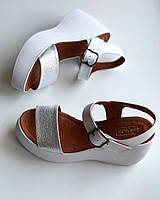 Женские кожаные босоножки TM Vinata белые с серебром, на платформе