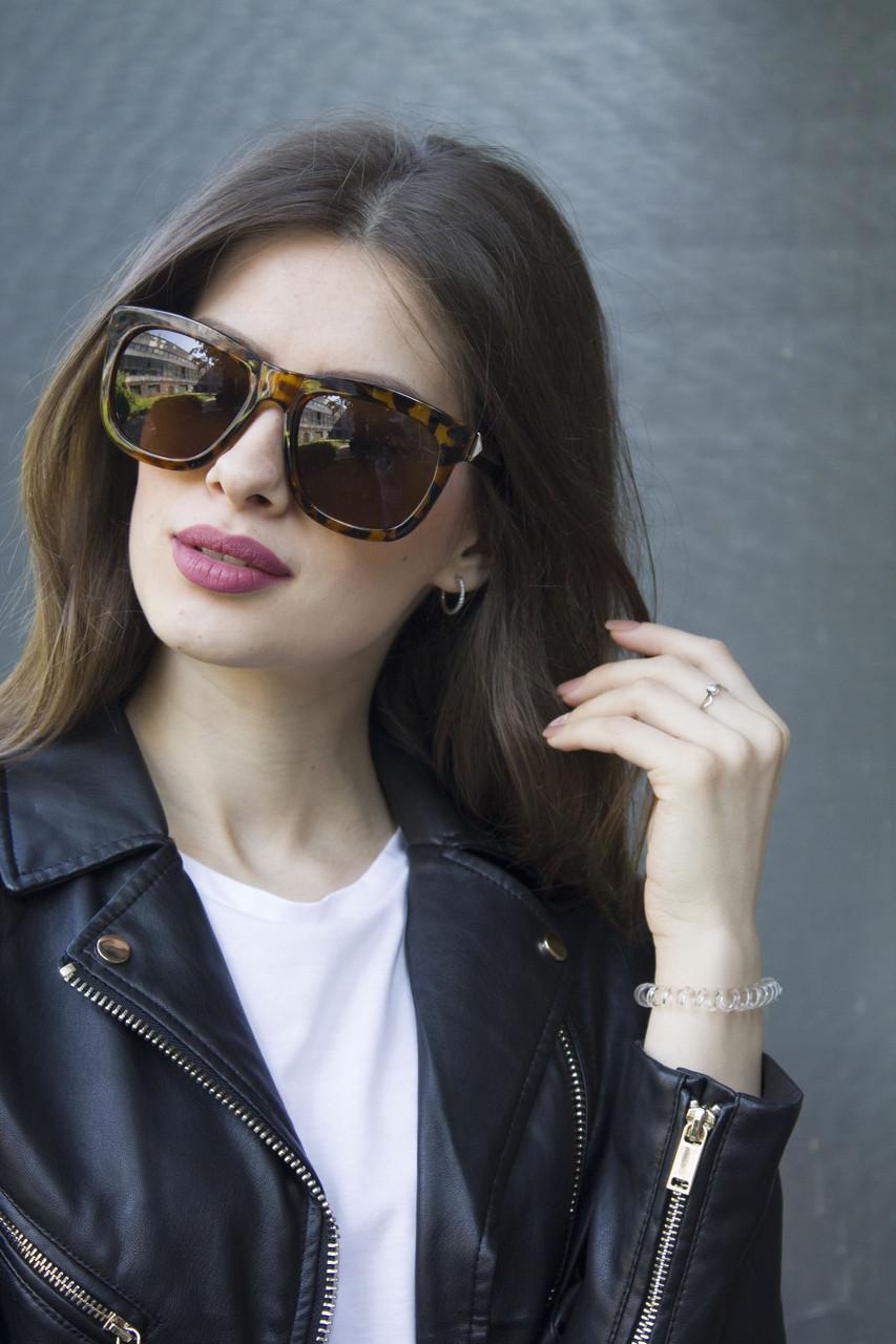 Солнцезащитные очки в леопардовой оправе (5060)
