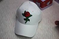 Белая кепка с розой , фото 1