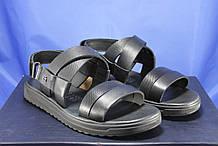 Чоловічі шкіряні сандалії чорні Bertoni