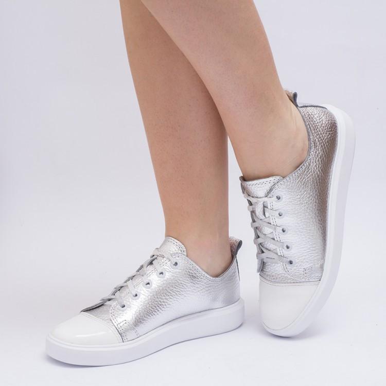 Кеды серебристые с белым носком 8030