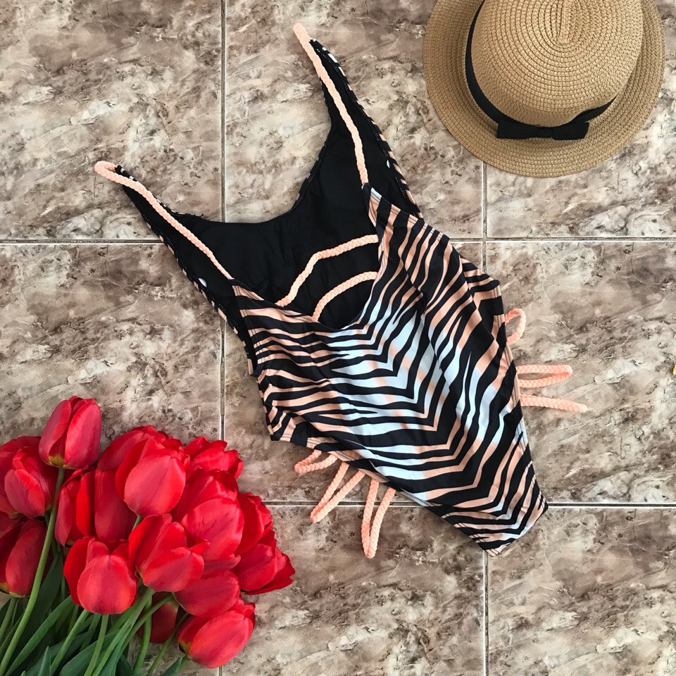 Женский сдельный купальник в тигровой расцветке
