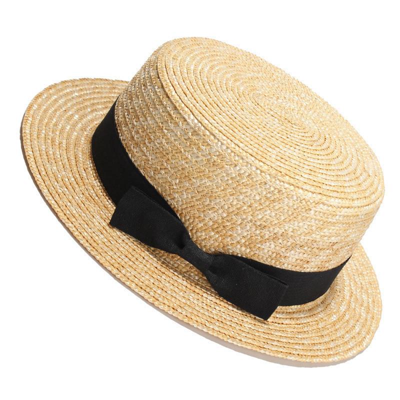 Соломенная шляпка канотье с черной ленточкой и бантиком