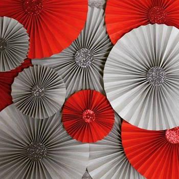Веера из цветной плотной бумаги однотонные