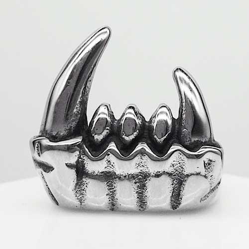 Байкерское кольцо из медицинской стали Клыки вампира 15 мм 137457