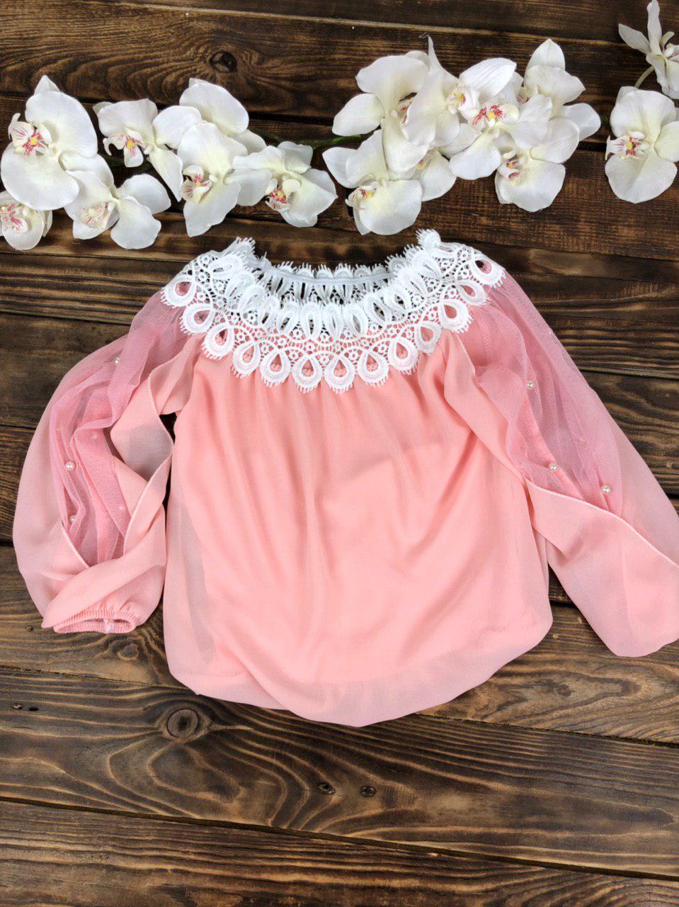 Блузка с гипюром и жемчугом