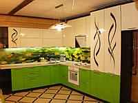 """Кухня """"Борщевая"""" с крашеными МДФ фасадами и стеклом"""