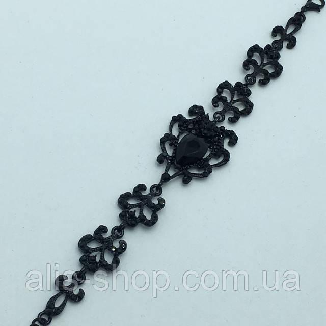 Длинные серьги с черными камнями в миниатюрных стразах