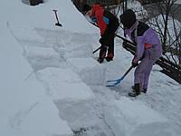 Удаление сосулек и снега с крыш домов Киев и Киевская область
