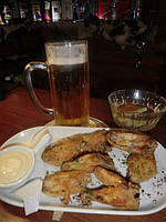 Крылья-фри с чесночным соусом к пиву