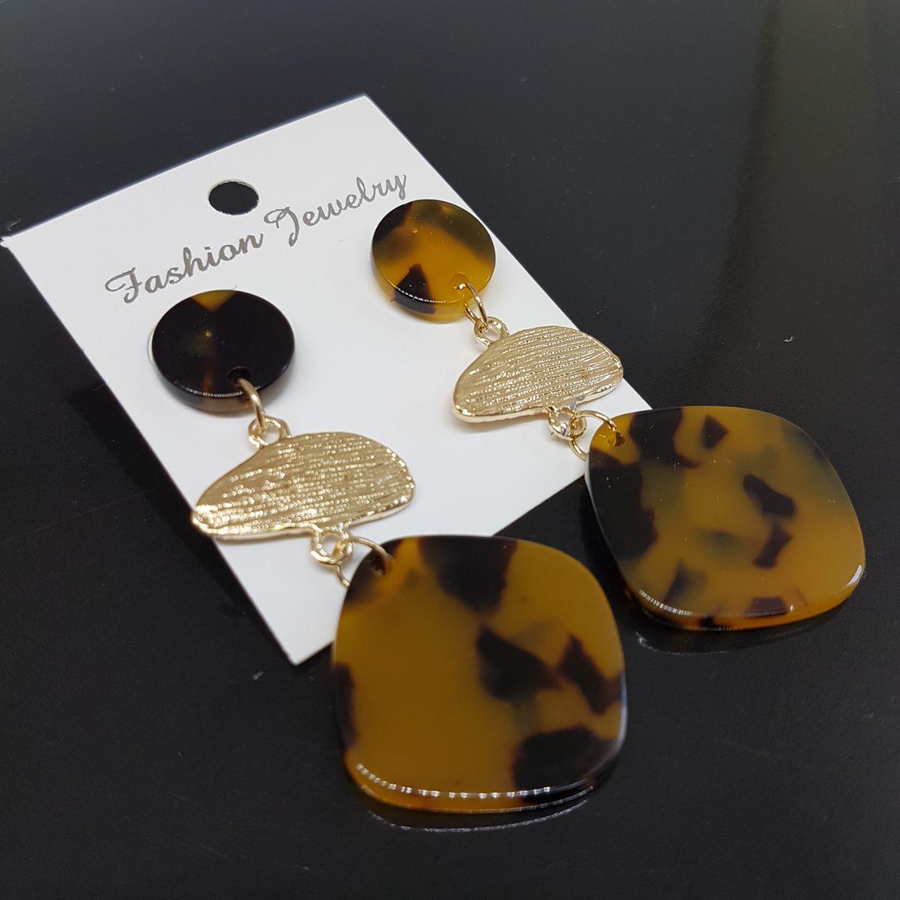 Серьги женские из 3 сегментов Amazon Fashion Jewelry янтарный с черным (арт. ear-amazon-amber-black)