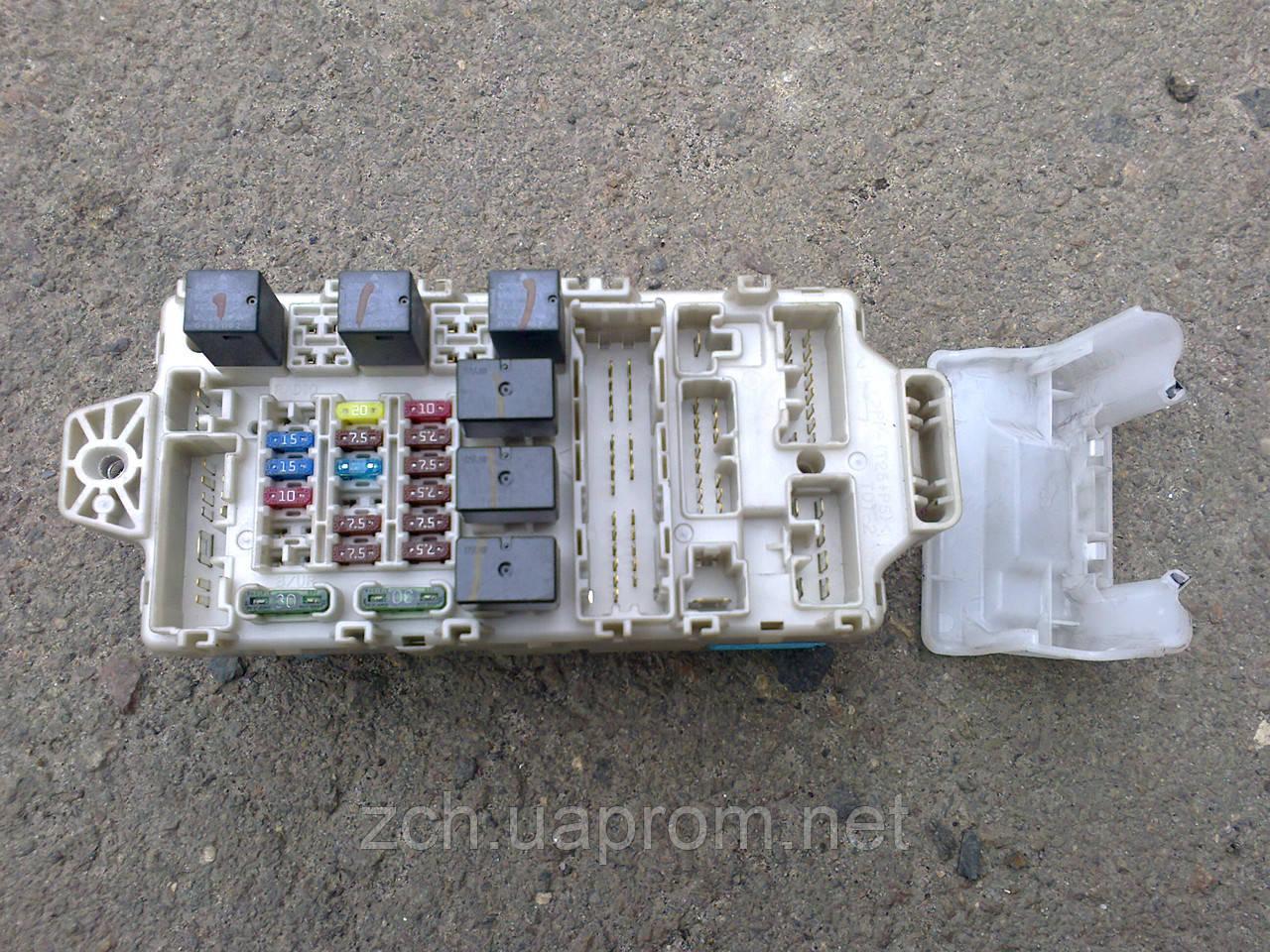 Блок предохранитилей 1.6 и 2.0 Mitsubishi Lancer 9
