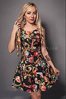 Эффектное летнее платье с модным цветочным принтом