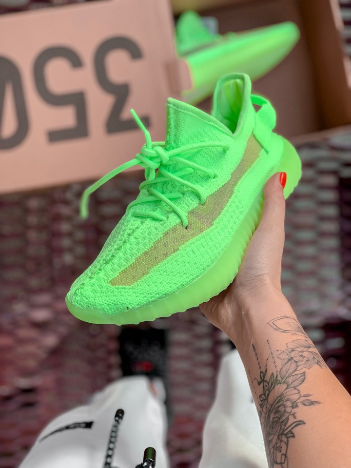 Женские кроссовки в стиле Adidas Yeezy Boost 350 V2 Clay Glov in the Dark (36, 37, 38, 39, 40 размеры)