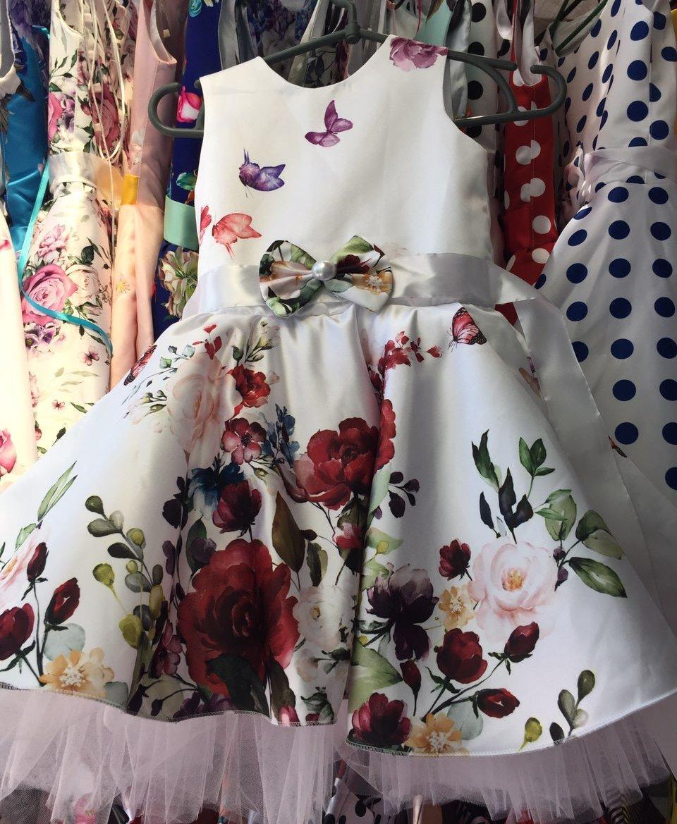 Нарядное платье белое с цветами Ретро для девочки на 4-6 лет