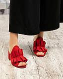 Открытые женские замшевые мюли с рюшами (красный), фото 3
