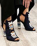 Закрытые синие замшевые босоножки с цветным каблуком женские, фото 4