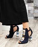 Закрытые синие замшевые босоножки с цветным каблуком женские, фото 7
