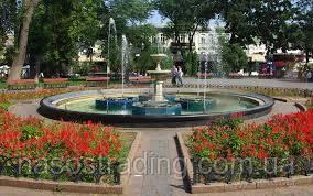 Одесским фонтанам чистят чаши и меняют насосы