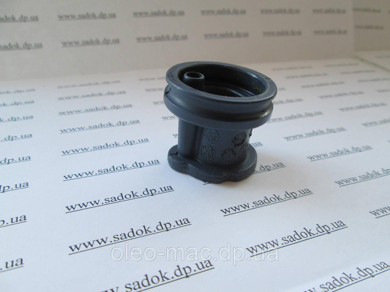 Колено на бензопилы Oleo-Mac GS 35C, 937, 941