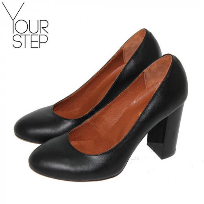 Женские кожаные туфли на каблуке Возможен отшив в других цветах кожи и замши