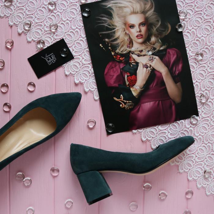 Женские замшевые туфли на невысоком каблуке Возможен отшив в других цветах кожи и замши