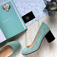 Женские туфли на невысоком устойчивом каблуке. Возможен отшив в других цветах кожи и замши