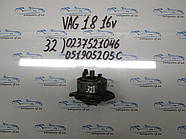 Трамблер  VW 1.8 0237521046, 051905205C №32