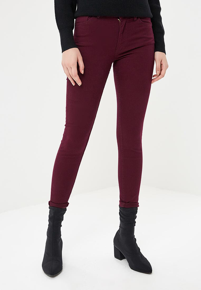 Женские  джинсы цвета марсала