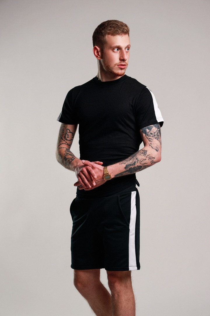 Мужской летний комплект шорты и футболка мужская черная с белым. Живое фото