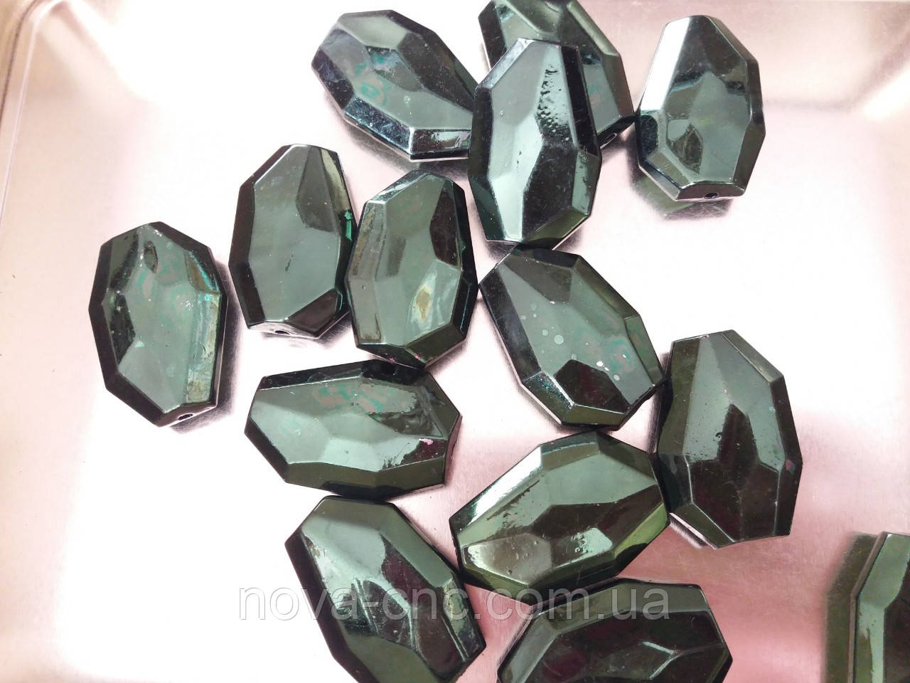 "Бусины  ""кристалл"" темно зеленый 500 грамм"