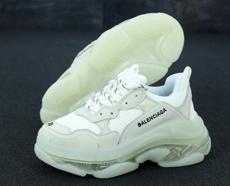 Кроссовки женские Balenciaga Triple S баленсиага белые. ТОП Реплика ААА класса.