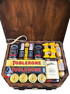Оригинальный подарок в чемодане для мужчин на День Рождения #38 (12038)