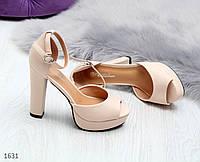 Женские бежевые босоножки со шлейкой на высоком каблуке