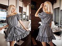 Мини платье в клетку с открытыми плечами и поясом