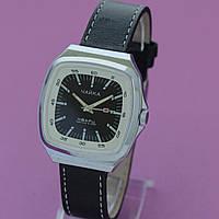Чайка кварцевые наручные часы СССР