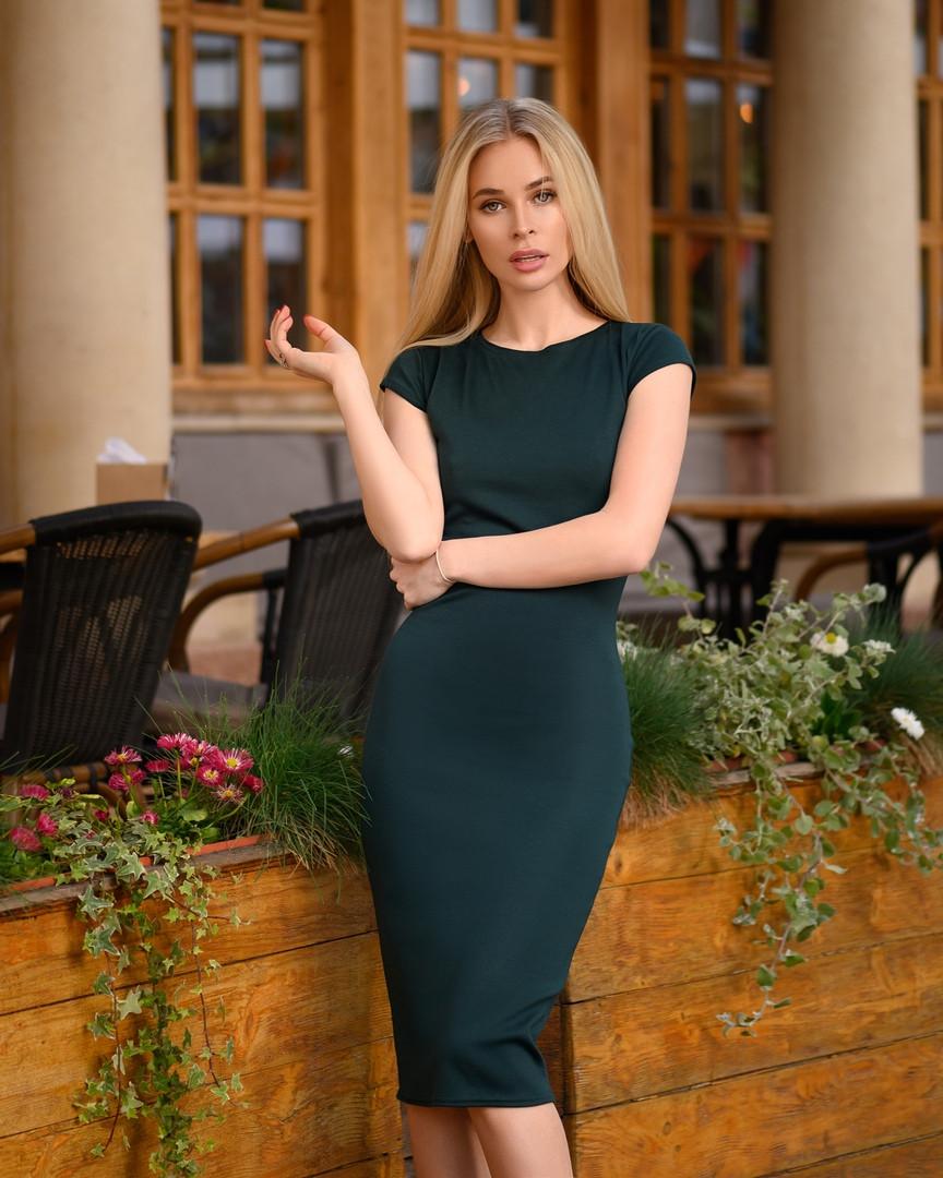 Зеленое темное платье футляр с коротким рукавом Миди Батал Изумруд 48 50 52