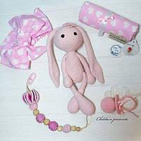 """Подарунковий набір для новонародженої дічинки """"Розова Заюня"""", ручна робота"""