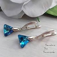 Стильные и красивые серебряные сережки с камнями Сваровски