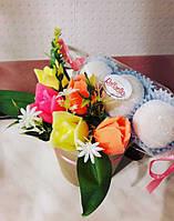 Цветочный подарок  с мыла ручной работы