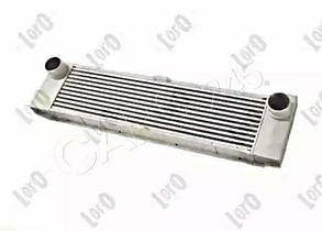 AUTOTECHTEILE Радиатор интеркулера MB Vito CDI 03- (5041)