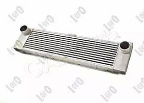 Радиатор интеркулера AUTOTECHTEILE  MB Vito CDI 03- (5041)