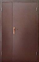 Техническая металлическая дверь модель двух створчатая двух листовая коричневая.