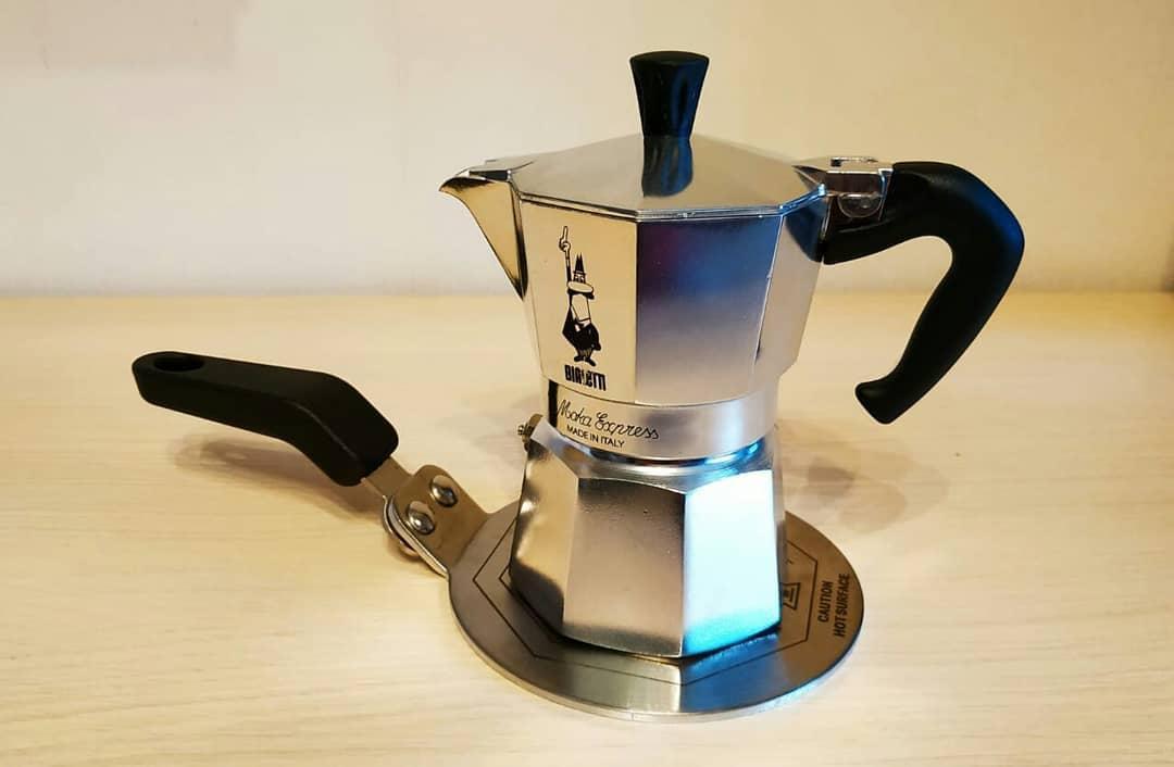Подставка-адаптер Bialetti для алюминиевых гейзерных кофеварок для индукционной плиты