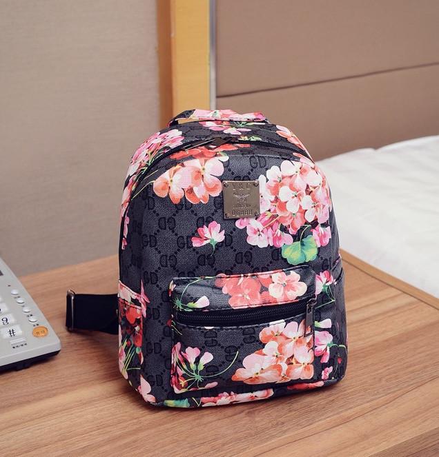 3a2d6b9c2bf7 Рюкзак женский маленький с цветами Черный
