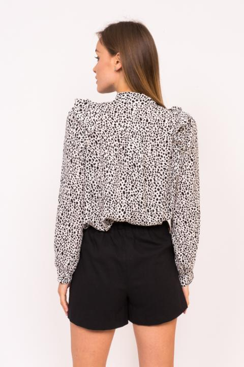 f4bc22cdd194 Классическая женская блузка с леопардовым принтом .