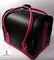 Бьюти кейс чемодан для мастера салонов красоты из гладкого кожзама на змейке черный с малиновыми ручками